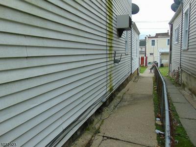 40 BRAINARD ST, Phillipsburg Town, NJ 08865 - Photo 2