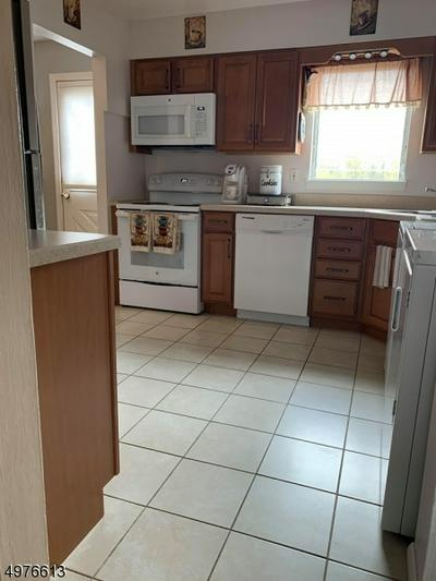 144 GARFIELD AVE, Woodbridge Township, NJ 07067 - Photo 2