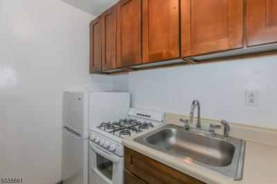 495 MAIN ST APT B2, Chatham Boro, NJ 07928 - Photo 2