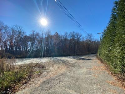 260 STATE ROUTE 15 S, Jefferson Twp., NJ 07885 - Photo 2