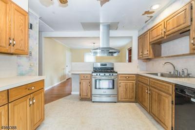 1 KNOLL RD, Parsippany-Troy Hills Township, NJ 07054 - Photo 2