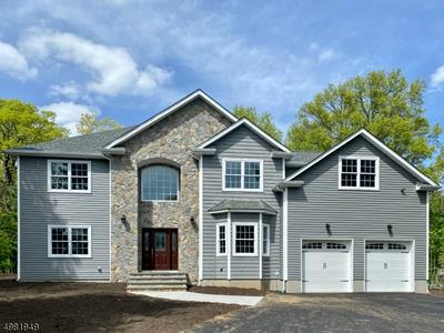 82 HORSENECK RD, Montville Township, NJ 07045 - Photo 2