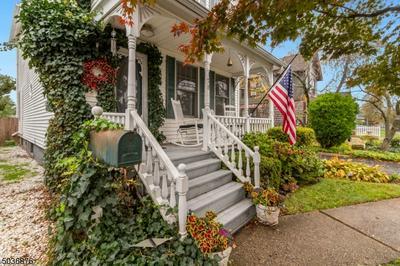 128 WOODBRIDGE CTR, Woodbridge Twp., NJ 07095 - Photo 1