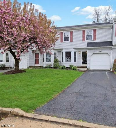10 HICKORY CT, MIDDLESEX, NJ 08846 - Photo 1