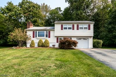 8 INDIAN LN, Mount Olive Twp., NJ 07840 - Photo 1