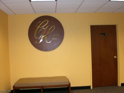 2 CLARIDGE DR # 8EE8EE, Verona Twp., NJ 07044 - Photo 2