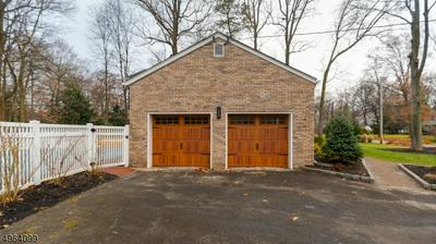 51 DEARBORN DR, OLD TAPPAN, NJ 07675 - Photo 2