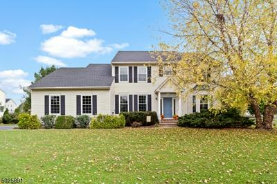 39 MEADOWVIEW DR, Lopatcong Twp., NJ 08865 - Photo 1
