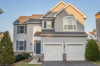 261 WINDING HILL DR, Mount Olive Twp., NJ 07840 - Photo 1
