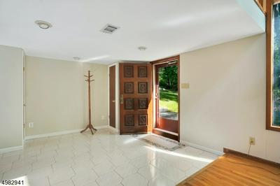 26 SKYLINE DR, Watchung Borough, NJ 07069 - Photo 2