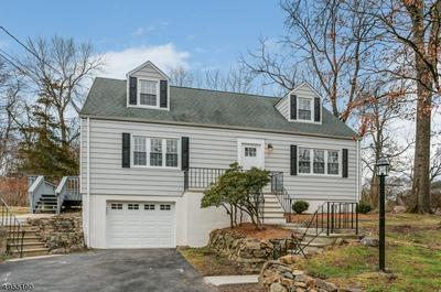 11 WESTERN BLVD, Gillette, NJ 07933 - Photo 1