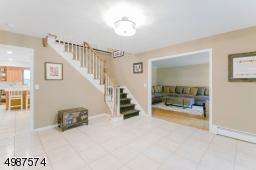 4 OAKWOOD CT, Montville Twp., NJ 07082 - Photo 2