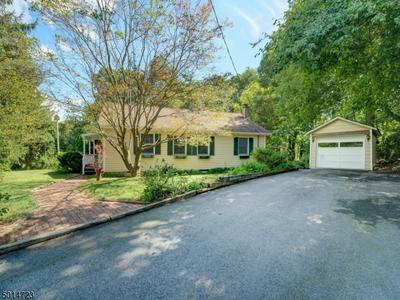 19 DRAKESDALE RD, Mount Olive Twp., NJ 07836 - Photo 1