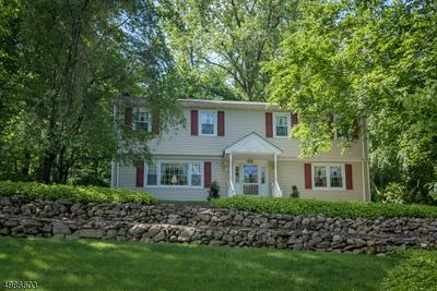 638 KNOLLWOOD RD, Franklin Lakes Borough, NJ 07417 - Photo 1