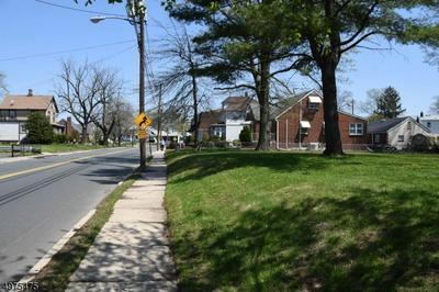 808 KING GEORGE RD, Woodbridge Township, NJ 08863 - Photo 2