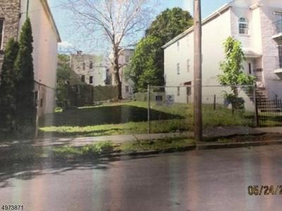 58 TILLINGHAST ST, NEWARK, NJ 07108 - Photo 1