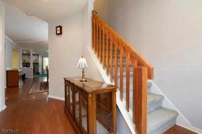 16 ELM TER, Raritan Twp., NJ 08822 - Photo 2