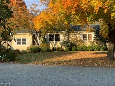 15 WINDSOR RD, West Milford Twp., NJ 07480 - Photo 1