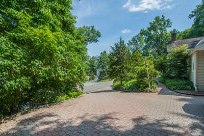 6 PEACE VALLEY RD, Montville Twp., NJ 07082 - Photo 2