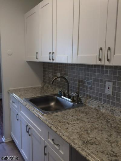 159 FRANKLIN ST APT 28, Bloomfield Township, NJ 07003 - Photo 2