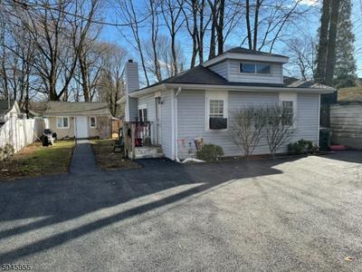 12 NEW ST # 2, Mount Olive Twp., NJ 07828 - Photo 2