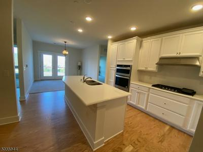1 HADLEY DR UNIT 308, Florham Park Boro, NJ 07932 - Photo 2