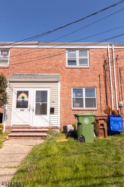 748 N STILES ST 1, LINDEN, NJ 07036 - Photo 2