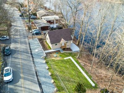 427 SKYLINE LAKE DR, Ringwood Boro, NJ 07456 - Photo 1