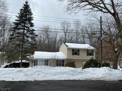 40 BEVERLY RD, Hopatcong Boro, NJ 07874 - Photo 1