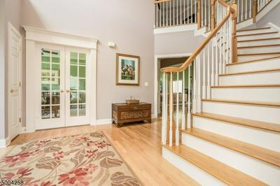22 NEW CASTLE WAY, Raritan Twp., NJ 08822 - Photo 2