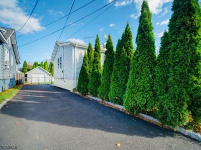 107 KEARNY AVE, Rahway City, NJ 07065 - Photo 2