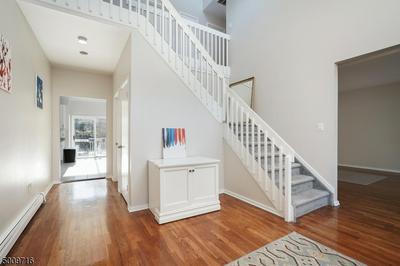 40 MEADOW BLUFF RD, Parsippany-Troy Hills Twp., NJ 07950 - Photo 2