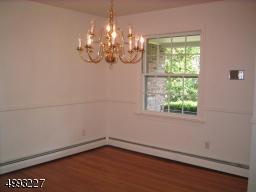 706 CASTLEMAN DR, Westfield Town, NJ 07090 - Photo 2