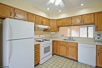 2201 TIMBER OAKS RD, Edison Township, NJ 08820 - Photo 2