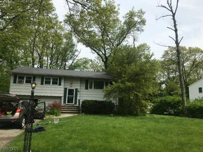 8 CARL PL, Kinnelon Borough, NJ 07405 - Photo 1