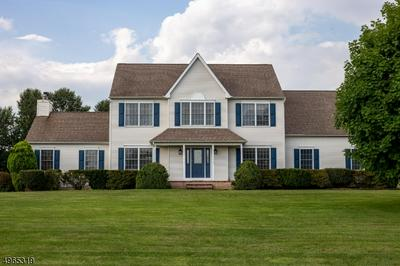 9 PLEASANT VIEW MANOR RD, PITTSTOWN, NJ 08867 - Photo 1