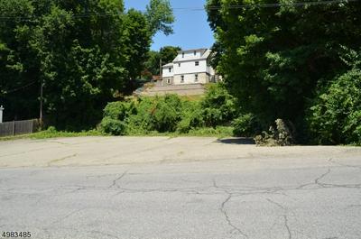 3 WALTON PL, Stanhope Borough, NJ 07874 - Photo 2