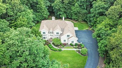 16 LIBERTY HILLS CT, Washington Twp., NJ 07853 - Photo 2