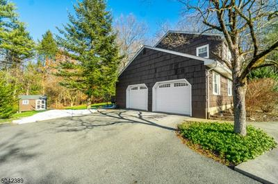 38 CAMELOT DR, West Milford Twp., NJ 07480 - Photo 2