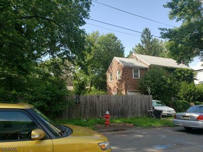 825 PARKVIEW TER, Elizabeth City, NJ 07202 - Photo 2