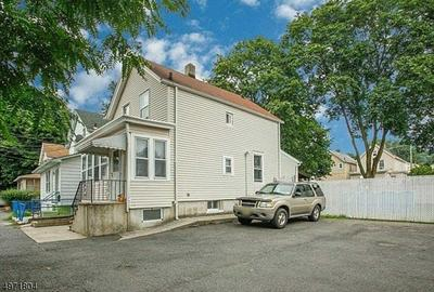 10 DE GROOT PL, PASSAIC, NJ 07055 - Photo 2