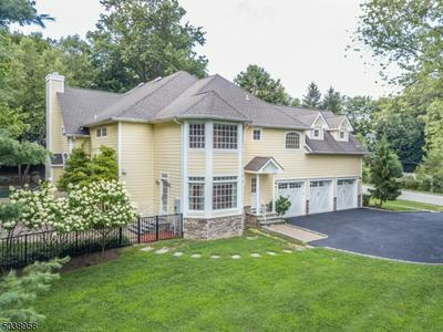 375 VAN BEEKUM PL, Wyckoff Twp., NJ 07481 - Photo 2