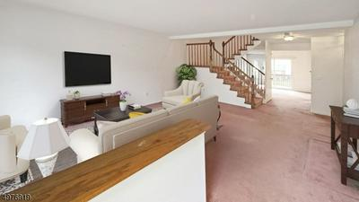 10 HICKORY CT, MIDDLESEX, NJ 08846 - Photo 2