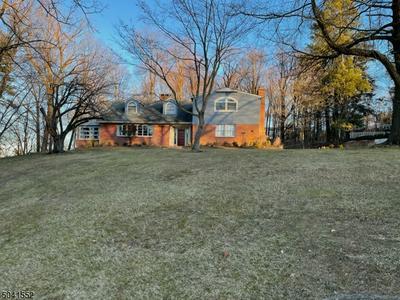 56 GRANDVIEW PL, North Caldwell Boro, NJ 07006 - Photo 1