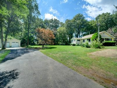 19 DRAKESDALE RD, Mount Olive Twp., NJ 07836 - Photo 2