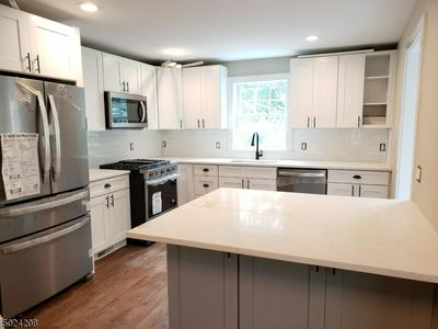 150 CLAREMONT RD, Bernardsville Boro, NJ 07924 - Photo 1
