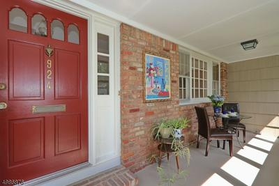 924 BROWN AVE, Westfield Town, NJ 07090 - Photo 2