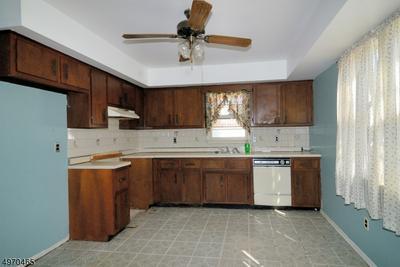 532 BAMFORD AVE, WOODBRIDGE, NJ 07095 - Photo 2