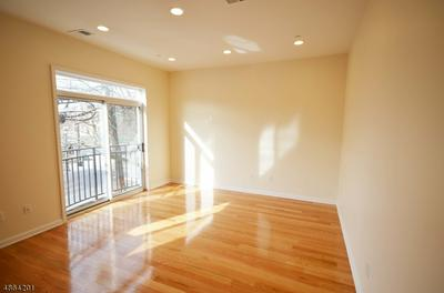 105 CENTER ST APT 1, Garwood Borough, NJ 07027 - Photo 2