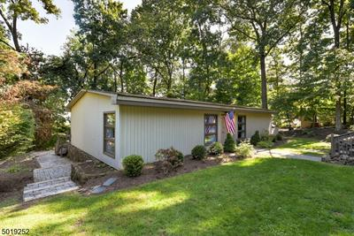 32 FOREMOST MOUNTAIN RD, Montville Twp., NJ 07082 - Photo 2
